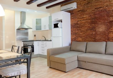 Is it possible to rent apartments for days in Barcelona?